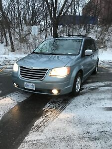 Chrysler Town & Country Touring Edition