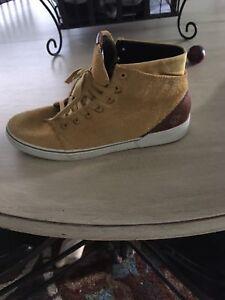 Size 8.5 Volcom Men's Shoes