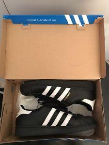 Adidas Superstars US8