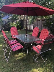 Outdoor dining (patio) set
