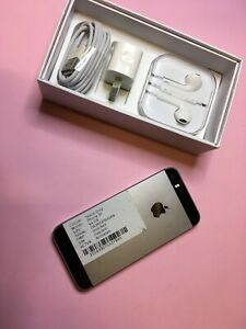 iPhone SE 64 GB MINT CONDITION