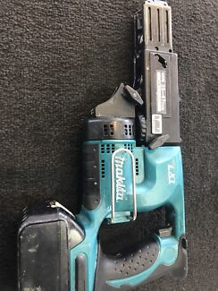 Makita 18V Collated Cordless Screw Gun with Battery
