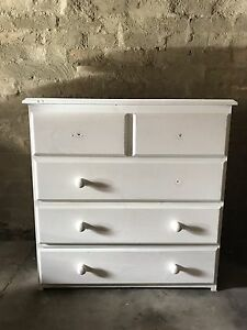 Chest of drawers Elwood Port Phillip Preview