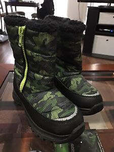 New without tags. Boys size 2 Walmart brand winter boots$5