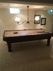 Billiards / pool table