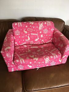 FREE - kids fold out couch pink Sunnybank Hills Brisbane South West Preview