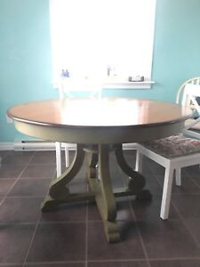 Round dining table from Pier 1