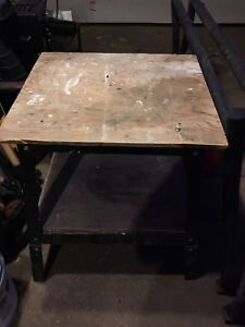 Small work bench/saw table