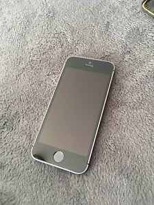 IPHONE SE 64gb SPACE GREY avec cover LIFEPROOF NEUF