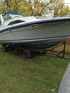 28.5 Sunbridge Bayliner Boat