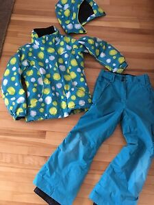 Beautiful Rossignol snow suit girl's size 8