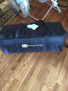 4 Moms Breeze Classic Pack & Play