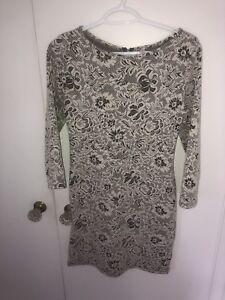 Quarter length sleeve dress