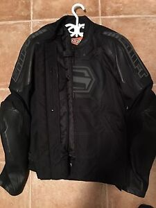 Manteau de moto neuf Shift grandeur XL