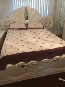 Beautiful solid wood Italian bed 5pc + brand new mattress