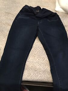 Thyme maternity jeans. Size small. Only worn once.