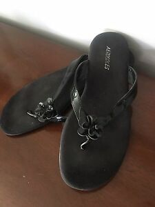 "Ladies black leather ""Aerosoles"" sandals - size 9"