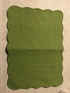 Place mats - green embroidered brand new