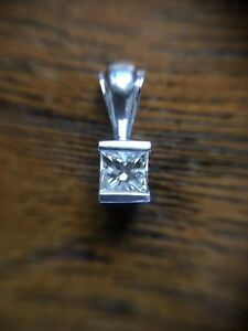 14k .25CT diamond white gold pendant
