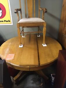 Just in at Penns Antiques a round table + chairs
