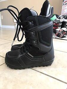 Burton Invader Snowboarding Boots Size 7