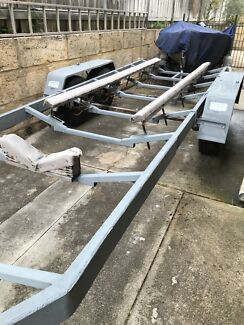Boat trailer suits up to 8m boat
