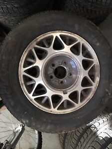 225/60 R16 Michelin X Ice winter tire & Buick rims