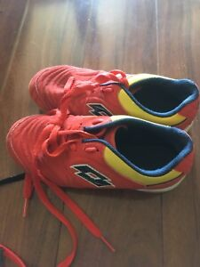 Size 1.5 indoor soccer shoes