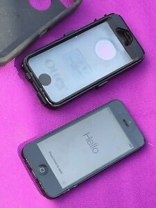 iPhone 5 64gb A1428 + Otterbox model MD642C/A for Telus Koodo