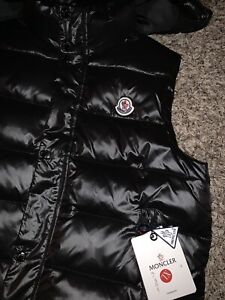 05a09917 Moncler   Buy or Sell Used or New Clothing Online in Edmonton ...