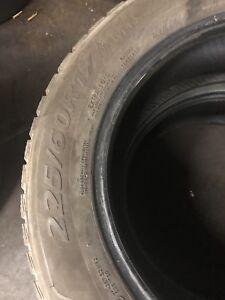 2 Pneu D'hiver/Winter Tires 225/60/R17 100$
