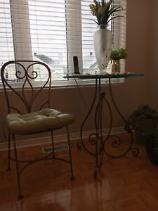 Glass top table and chair