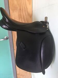 Saddle Oakville Hawkesbury Area Preview