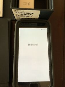32 GB Samsung Galaxy S7 with Otterbox defender