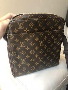 """Louis Vuitton Monogram Messenger Beaubourg """"Trotteur"""""""