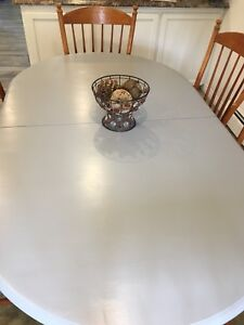 Solid dining set
