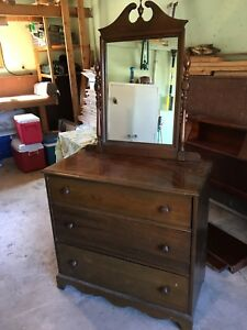 Dresser with built in mirror