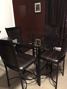 Pub Height Table Set