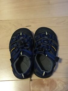 Keen sandals, toddler size 8