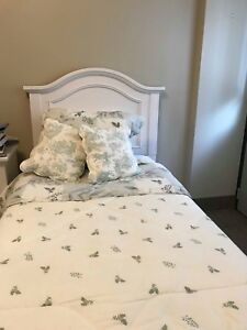 Beautiful White Bedroom Suite - Must Sell!