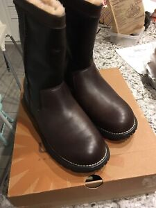 New Ugg leather boots Brooks size 8