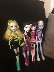 Collection of 4 monster high dolls