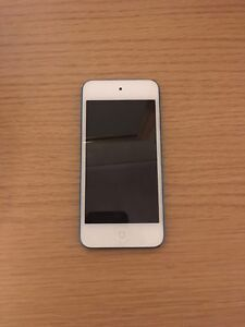 iPod Touch 5th Generation (Blue)