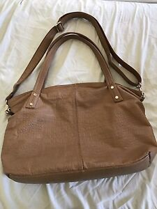 Real leather bag Inala Brisbane South West Preview