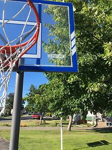 Basketball hoop. Good used condition
