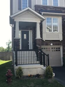 3 Bedroom townhouse for lease in Ancaster