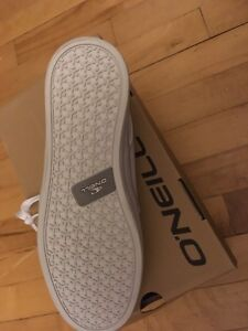 New mens O'Neill shoes size 10