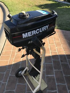 2.5HP Mercury Outboard Motor great for an auxiliary or dinghy/tender