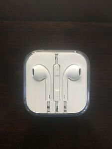 Apple EarPods with Lightning Connector **Brand New**