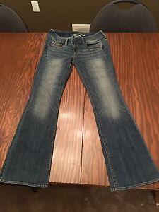 Women's American Eagle Jeans Size 4